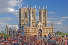 lincolncathedralacrossrooftops_full
